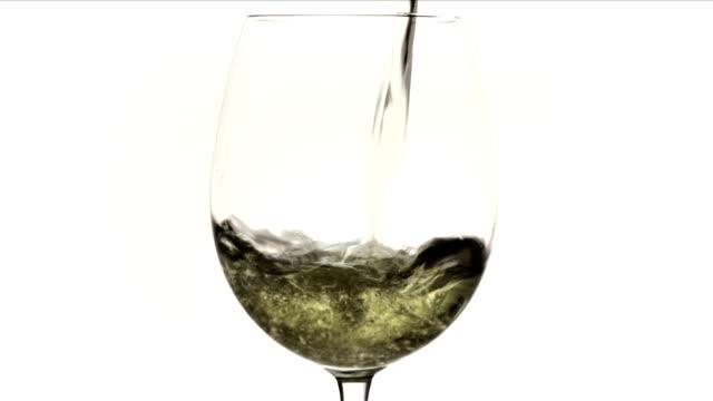white wine - vitt vin glas bildbanksvideor och videomaterial från bakom kulisserna