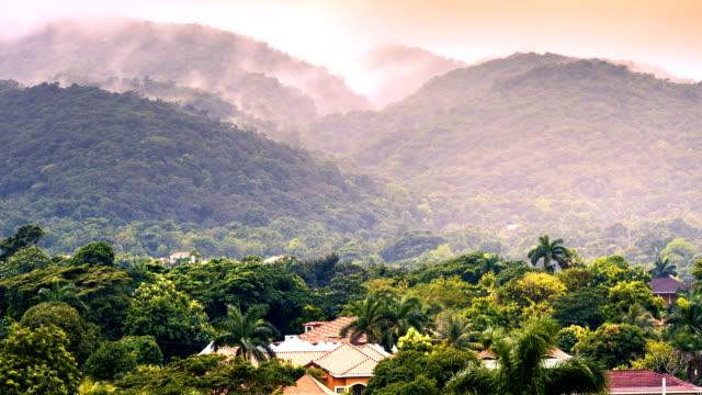 vídeos y material grabado en eventos de stock de imágenes de gran angular de 4k de una tormenta tropical en el caribe - caribe