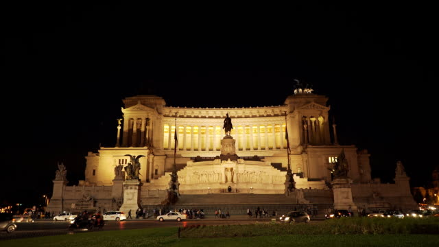 wide angle victor emmanuel ii monument at night video