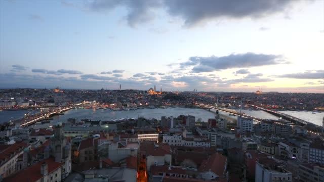 ガラタ塔からイスタンブールの広角ビュー。トルコ。2019年4月10日 - モスク点の映像素材/bロール