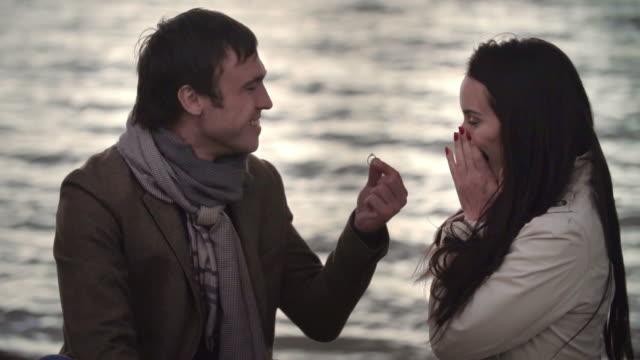 僕と結婚してくれるかい? ビデオ