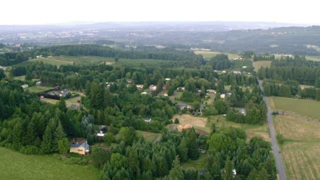 aerial willamette valley in oregon - tal stock-videos und b-roll-filmmaterial