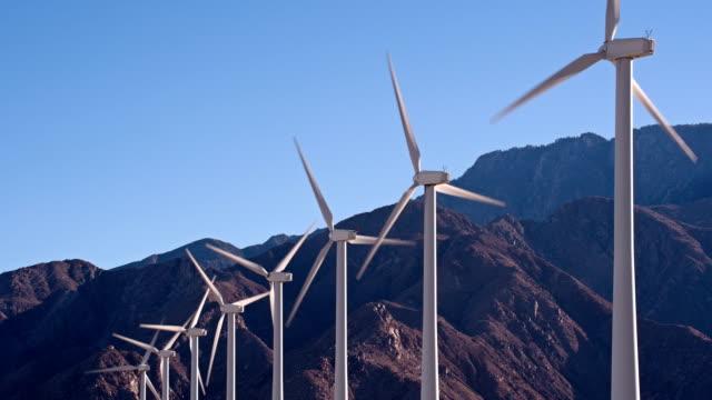 vídeos y material grabado en eventos de stock de wind farm - energía eólica