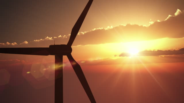 Windkraftanlage am Sunset/Endlos wiederholbar – Video