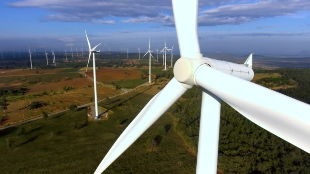 Turbina de viento de vista aérea - vídeo