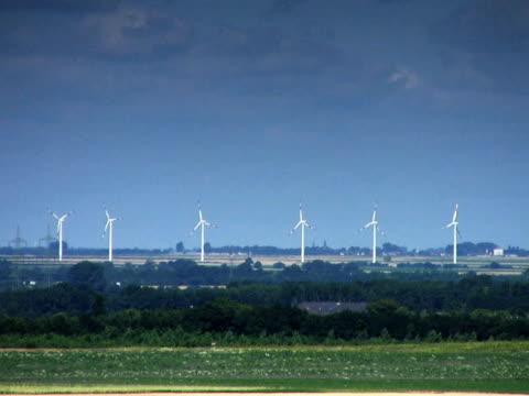 PAL: Wind Turbine Windmills in a row. 笹 stock videos & royalty-free footage