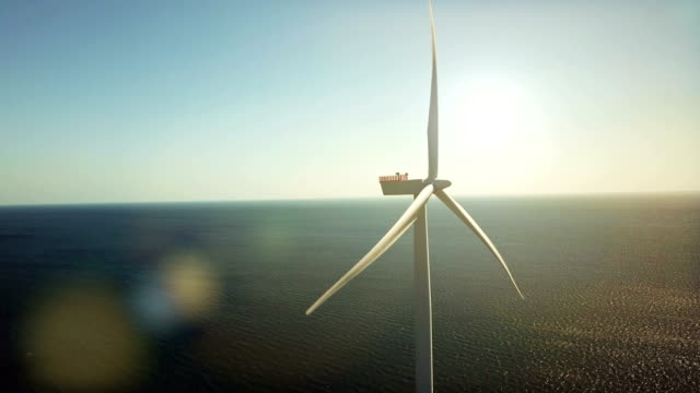 wind turbines at sea - turbina a vento video stock e b–roll