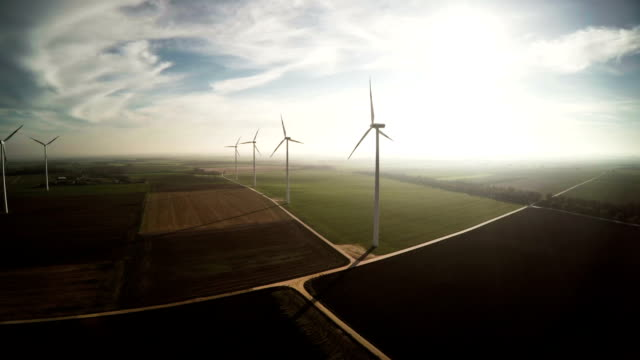 veduta aerea: turbine eoliche - sustainability video stock e b–roll