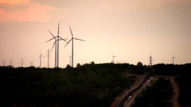 pal: windmills - klip uzunluğu stok videoları ve detay görüntü çekimi