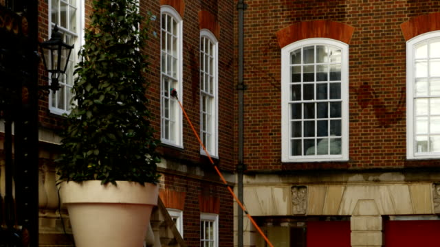 Window Cleaning In London Temple Area video