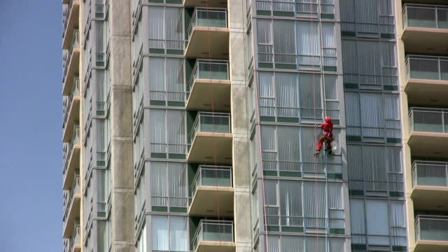 Window Washer in Red Suit (HD 1080p30)