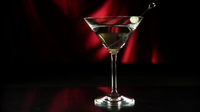 stockvideo's en b-roll-footage met wine glasses martini olive dolly left 02 hd - martiniglas