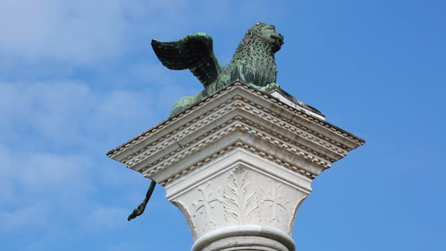 winged lion of saint mark in venice italy - renaissance architecture stock videos & royalty-free footage
