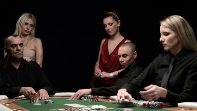 HD DOLLY: Winning A Poker Game