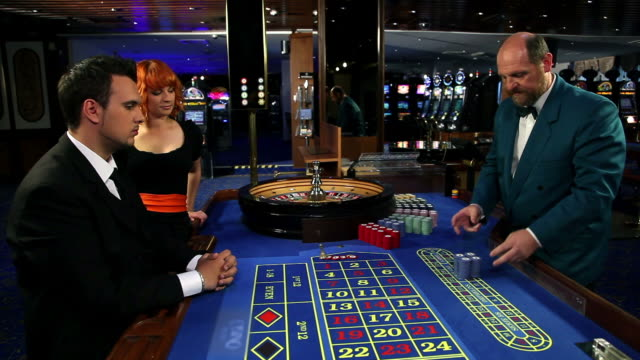 HD WIDE: Winning at roulette video