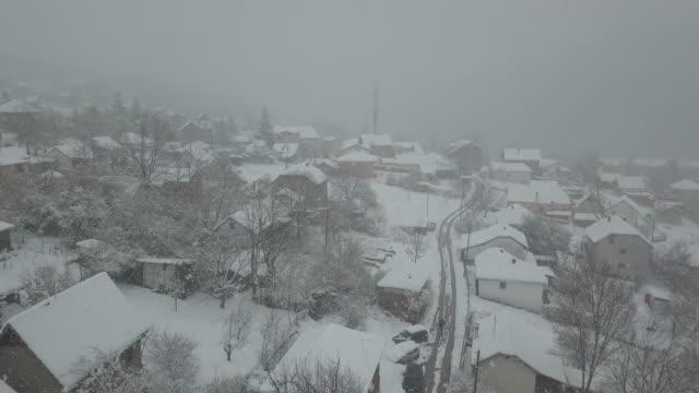 vinterantenn - liten stad - djupsnö bildbanksvideor och videomaterial från bakom kulisserna