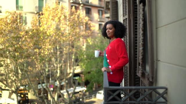 バルセロナの冬休み - お茶の時間点の映像素材/bロール