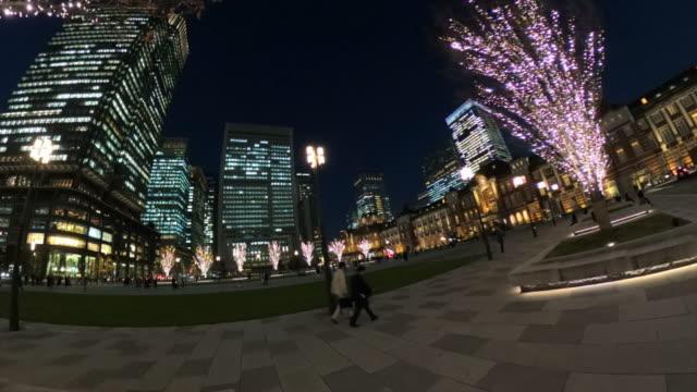東京駅の冬のイルミネーション - 街灯点の映像素材/bロール