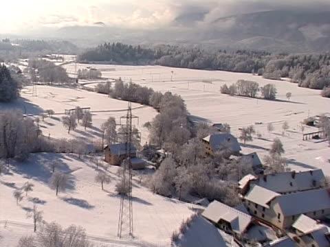 winter in slovenia from air - i̇badet yeri stok videoları ve detay görüntü çekimi
