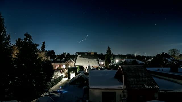 winter night sky time lapse - nightsky bildbanksvideor och videomaterial från bakom kulisserna