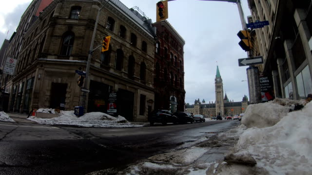 Winter Ottawa Street View, the background is the Canadian Parliament Tower.