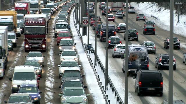 Winter Traffic on Autobahn + Audio video