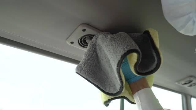 vídeos de stock, filmes e b-roll de limpar interior de ônibus - higiene