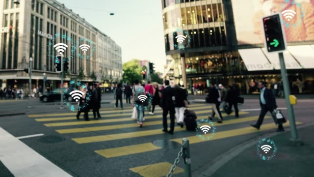 wireless-technologie-konzept, die arbeit miteinander zu verbinden - smart city stock-videos und b-roll-filmmaterial