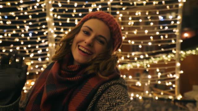 wir wünschen alles gute! - weihnachtsmarkt stock-videos und b-roll-filmmaterial