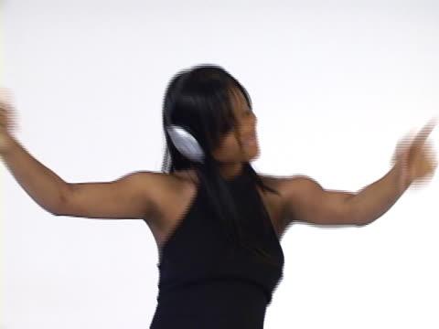 kobieta taniec  - ludzka kończyna filmów i materiałów b-roll