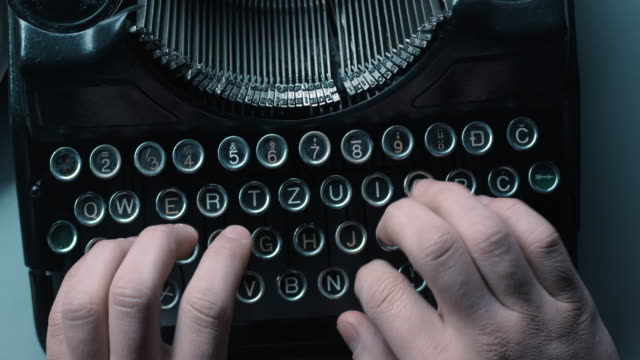 LD woman ten finger typewriting video