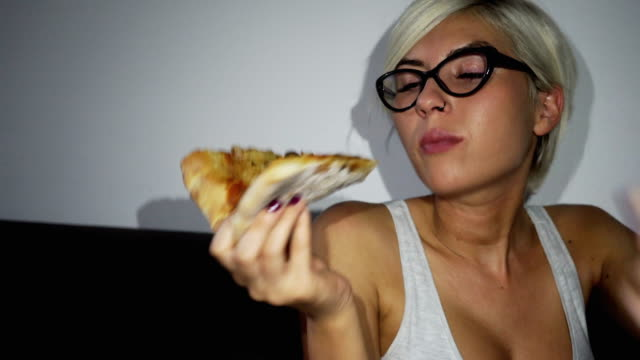 Woman took break from diet and eating pizza video