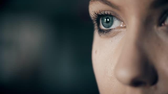 woman with blue eyes - усилие стоковые видео и кадры b-roll