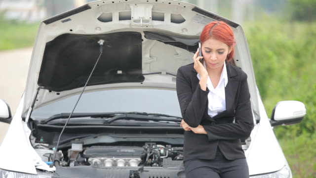 Woman with car broke down video