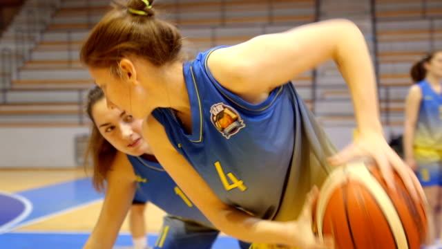 Women basketball duel video