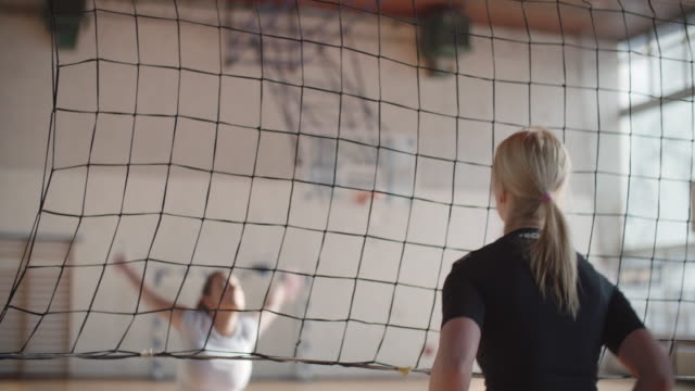 frauen im sport - volleyball - volleyball stock-videos und b-roll-filmmaterial