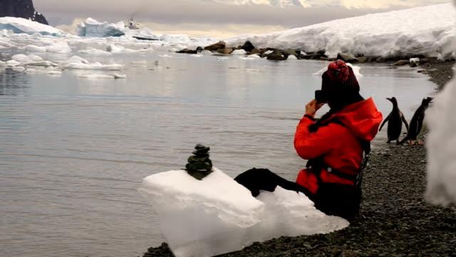 women in the ice world, antarctica - ekoturystyka filmów i materiałów b-roll