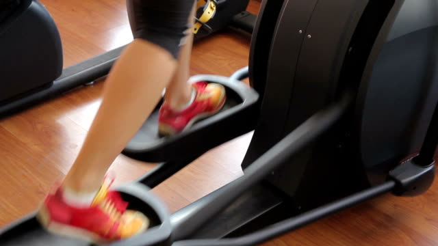 women is exercising at fitness center - active lifestyle stock videos & royalty-free footage