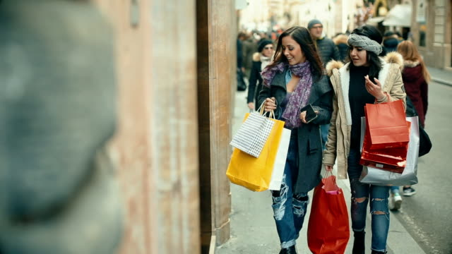 Women shopping at via Condotti in Rome video