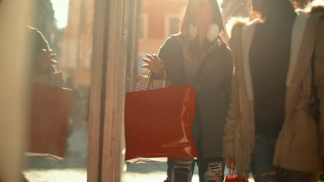 Women shopping during sales in Rome, Italy video