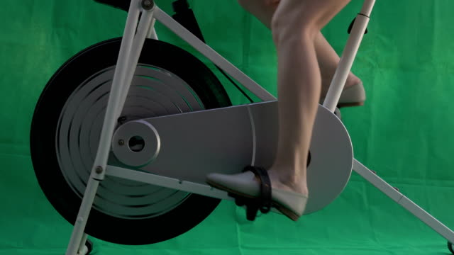 women  spin Bike cycling Fitness green screen background women  spin Bike cycling Fitness green screen background exercise bike stock videos & royalty-free footage