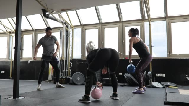 Women trainer with personal trainer