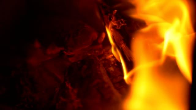vidéos et rushes de cheminée à bois - bois texture