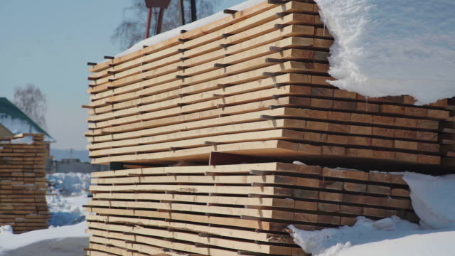 Wood construction and the production of laminated veneer lumber video