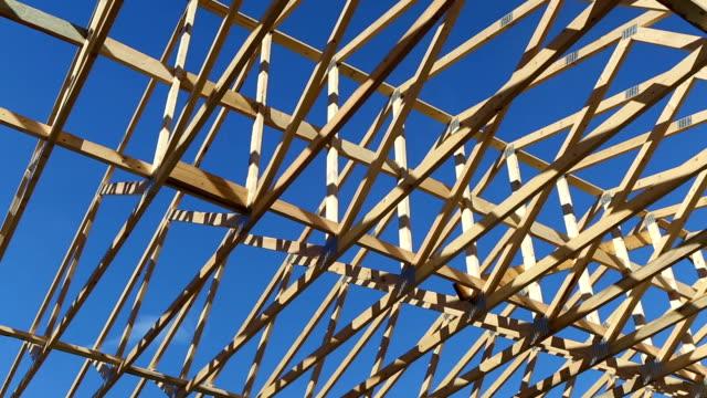 träbyggande ram virkesindustrin. - ramverk bildbanksvideor och videomaterial från bakom kulisserna