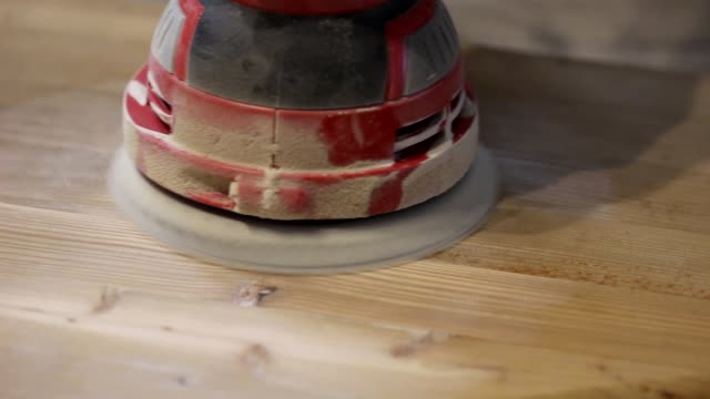 Wood processing with an eccentric grinder video