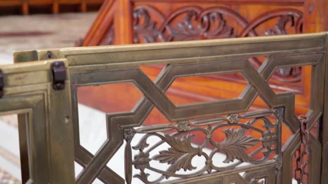 シチリア島パレルモの大聖堂に木製の椅子 - モンレアーレ点の映像素材/bロール
