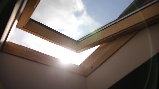 wooden skylight window - drewno tworzywo filmów i materiałów b-roll