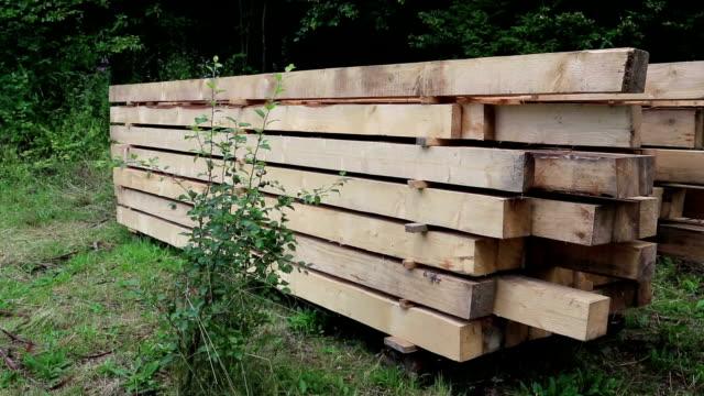 木製の四角い角材 - 大工点の映像素材/bロール