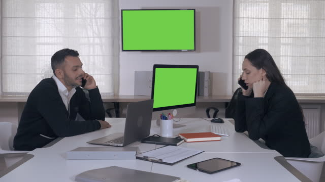 working day in contemporary company video